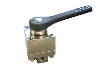 Snap-tite's directional control valves井口控制盘用换向阀  parker球阀 PARKER卡套接头
